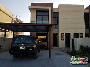 Ad Photo: Villa 3 bedrooms 3 baths 2320 sqft extra super lux in Dubai Land  Dubai