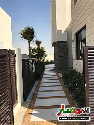 Ad Photo: Villa 3 bedrooms 4 baths 1615 sqft extra super lux in Dubai Land  Dubai