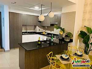 Apartment 1 bedroom 2 baths 640 sqft extra super lux