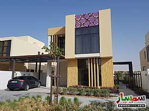 Ad Photo: Villa 3 bedrooms 4 baths 2105 sqm extra super lux in Dubai Land  Dubai