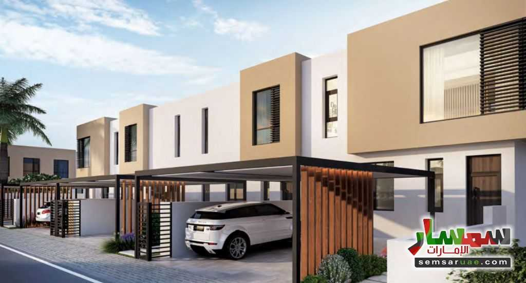 Ad Photo: Villa 2 bedrooms 1 bath 1371 sqft extra super lux in UAE