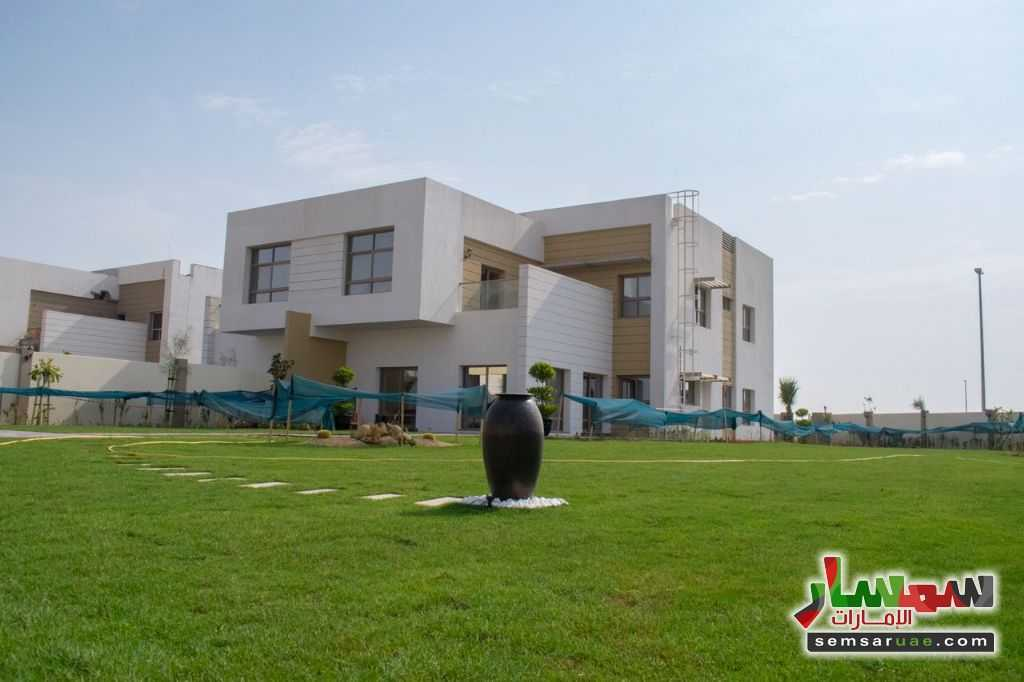 Ad Photo: Villa 5 bedrooms 6 baths 10005 sqm extra super lux in Al Suyoh  Sharjah