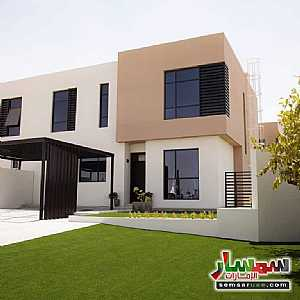 Ad Photo: Villa 2 bedrooms 3 baths 1800 sqft extra super lux in Al Suyoh  Sharjah
