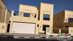 Villa 4 bedrooms 6 baths 5000 sqft super lux