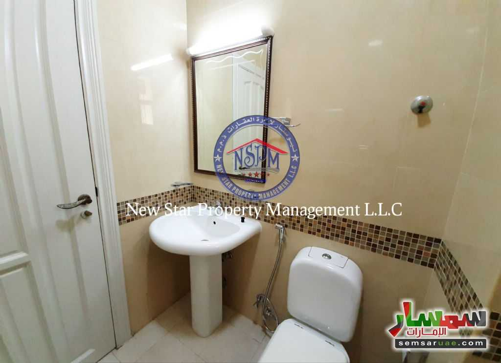Ad Photo: Room 500 sqft in Al Mushrif  Abu Dhabi