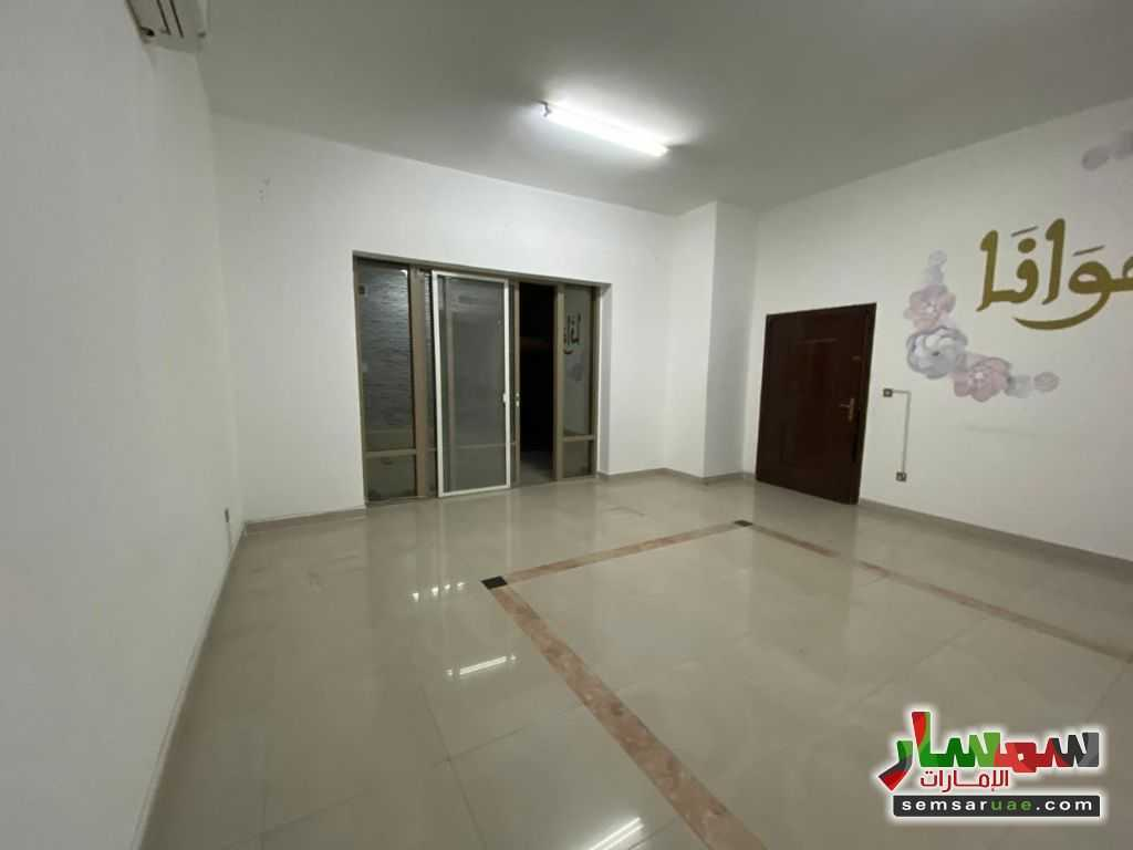 Ad Photo: Apartment 1 bedroom 1 bath 1050 sqft extra super lux in Khalifa City  Abu Dhabi