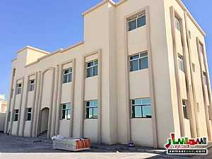 Apartment 1 bedroom 1 bath 1,100 sqm extra super lux For Rent Shakhbout City Abu Dhabi - 2