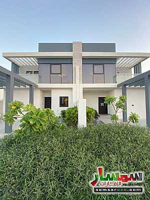 Villa 3 bedrooms 4 baths 1600 sqft super lux