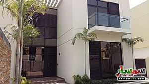 Villa 3 bedrooms 3 baths 2,250 sqft extra super lux For Sale Dubai Land Dubai - 5