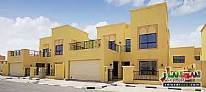 Villa 4 bedrooms 5 baths 5200 sqft extra super lux