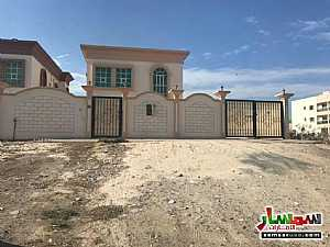 Villa 5 bedrooms 5 baths 4200 sqft lux For Sale Al Rawdah Ajman - 8