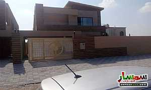 Ad Photo: Villa 5 bedrooms 7 baths 5000 sqft extra super lux in Al Zahraa  Ajman