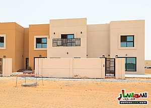 Villa 4 bedrooms 5 baths 2800 sqft extra super lux