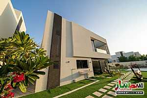Ad Photo: Villa 5 bedrooms 6 baths 892 sqm extra super lux in Yas Island  Abu Dhabi