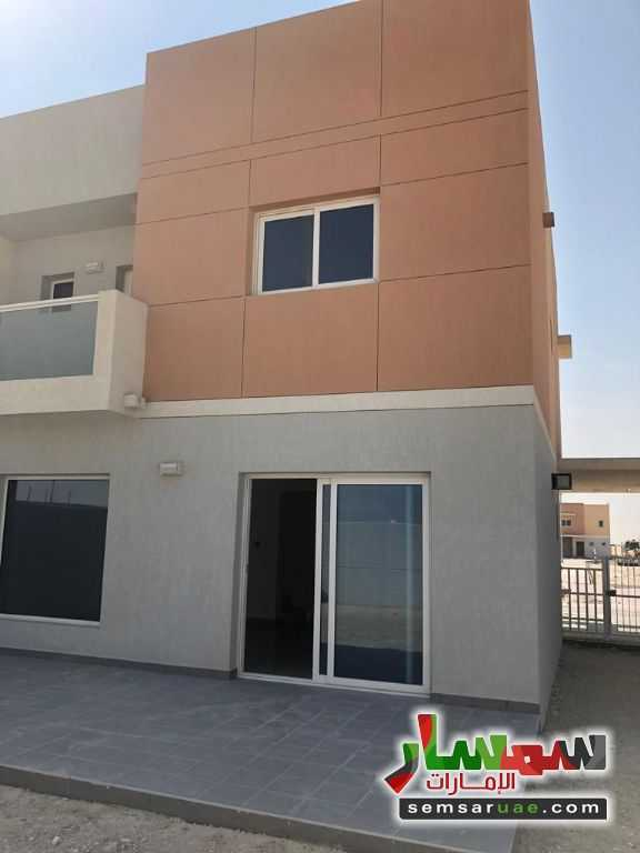 Ad Photo: Villa 3 bedrooms 4 baths 2799 sqm super lux in Al Samha  Abu Dhabi