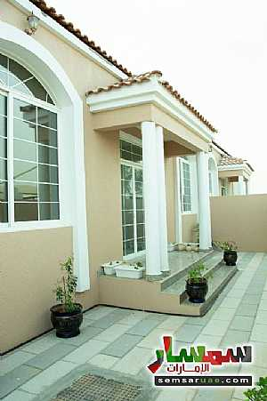 Villa 2 bedrooms 2 baths 200 sqm super lux For Sale Masfut Ajman - 2
