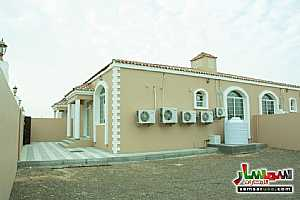 Villa 2 bedrooms 2 baths 200 sqm super lux For Sale Masfut Ajman - 4
