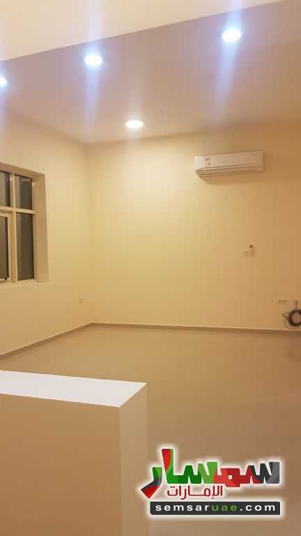 Ad Photo: Apartment 1 bedroom 1 bath 30 sqm extra super lux in Al Markhaniya  Al Ain