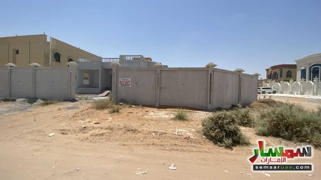 Ad Photo: Villa 3 bedrooms 3 baths 10000 sqft without finish in Sheikh Mohammed Bin Zayed Road  Ras Al Khaimah