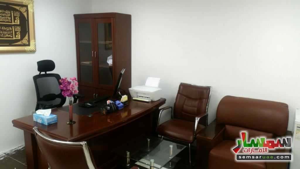 Photo 1 - Commercial 250 sqft For Rent Al Garhoud Dubai
