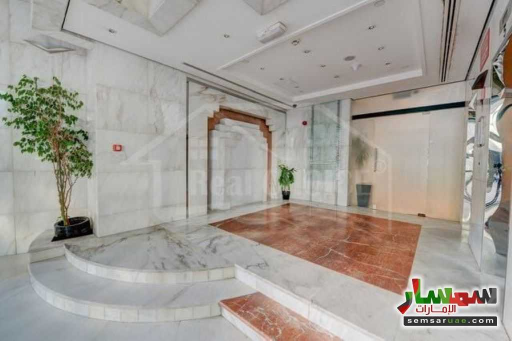 Photo 7 - Commercial 200 sqm For Rent Al Garhoud Dubai