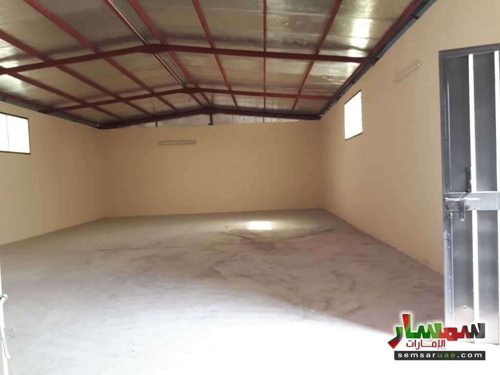 Photo 3 - 2 stores for rent in kharir area 200m each infront emirates school for driving For Rent Al Ain Industrial Area Al Ain