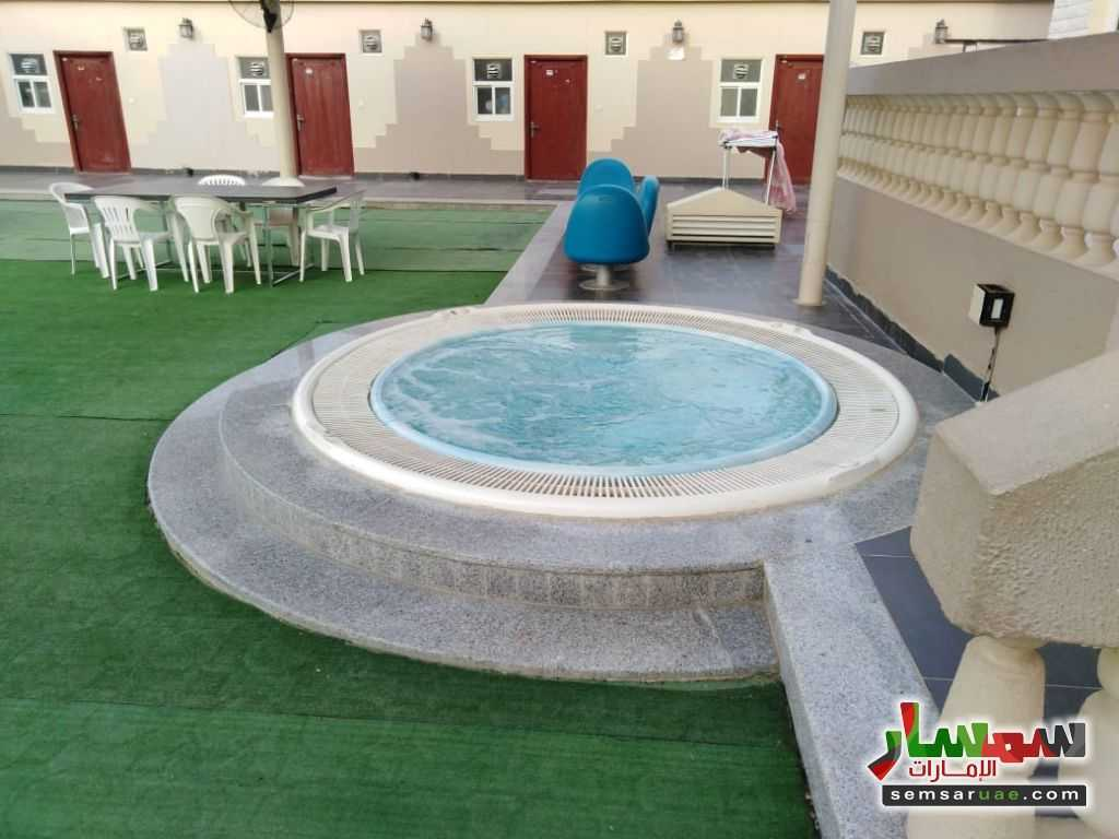 صورة 15 - 2BHK Fully Furnished Flat with Gym, kid's playground, pool, lounge & cafe located at Al Towayya للإيجار المطارد العين