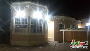 Ad Photo: Villa 4 bedrooms 3 baths 200 sqm super lux in Al Markhaniya  Al Ain