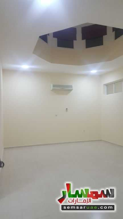Photo 10 - Villa 4 bedrooms 3 baths 200 sqm super lux For Rent Al Markhaniya Al Ain