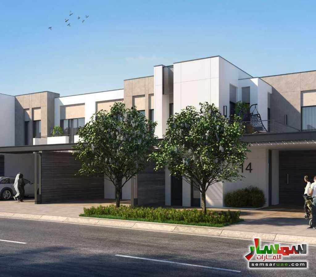 Photo 7 - Best Townhouses By the Biggest Developer In Dubai with 6 years installment payment plan For Sale Global Village Dubai