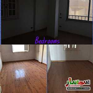 Ad Photo: Apartment 4 bedrooms 1 bath 250 sqm super lux in Heliopolis  Cairo