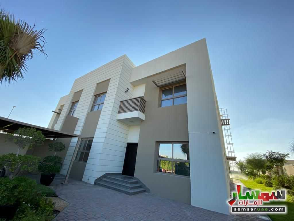 Ad Photo: Villa 5 bedrooms 5 baths 10000 sqft super lux in UAE