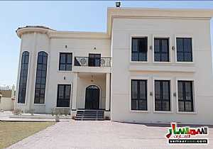 Ad Photo: Villa 5 bedrooms 5 baths 15000 sqft in Al Khawaneej  Dubai